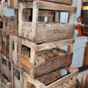 anciennes-caisse-bouteilles-bois-bistrot-4
