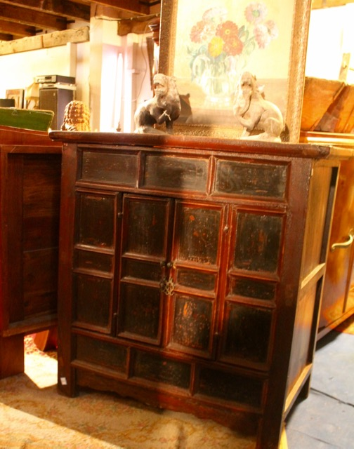 buffet ancien chinois puces d 39 oc brocante en ligne. Black Bedroom Furniture Sets. Home Design Ideas
