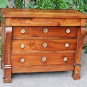 commode-crosse-epoque-restauration-noyer-massif-1