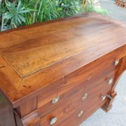 commode-crosse-epoque-restauration-noyer-massif-4