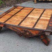 grande table basse indienne en teck puces d 39 oc. Black Bedroom Furniture Sets. Home Design Ideas