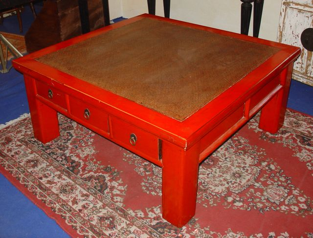 Grande table basse chinoise laque rouge puces d 39 oc - Table basse rouge laque ...