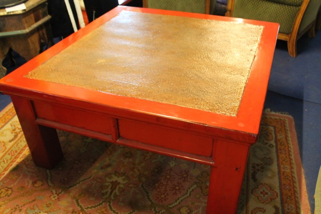 Grande table basse chinoise laque rouge puces d 39 oc for Table basse rouge laque