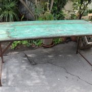 table-indienne-design-industriel-bois-metal-1