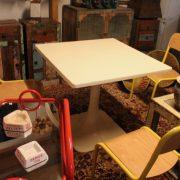 table-vintage-années-70-1021