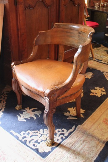 fauteuil de bureau epoque restauration en noyer puces d 39 oc brocante en ligne. Black Bedroom Furniture Sets. Home Design Ideas