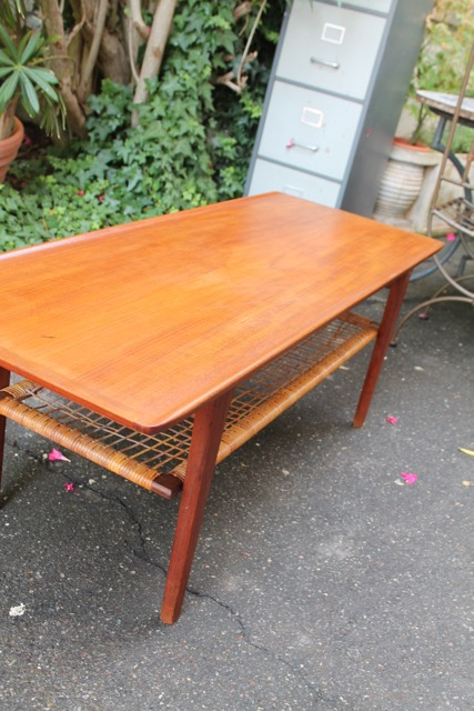 Table basse scandinave ann es 60 puces d 39 oc Table basse scandinave annee