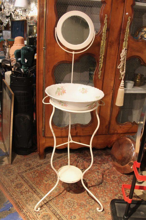 Meuble De Toilette Ancien En Fer Forge