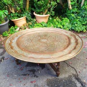 plateau en cuivre oriental