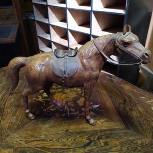 cheval cuir