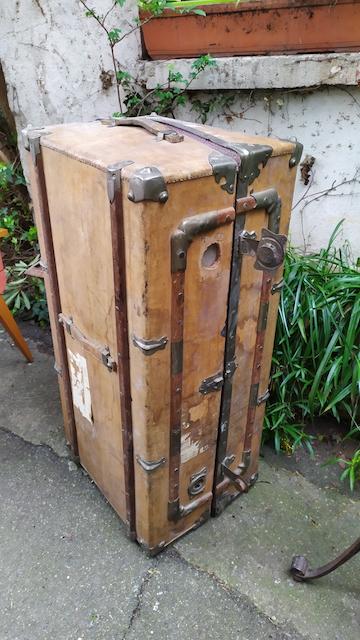 malle cabine de voyage ancienne