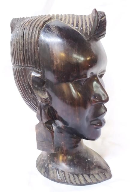 buste feminin africain