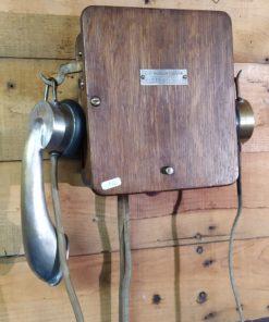 telephone mural ancien