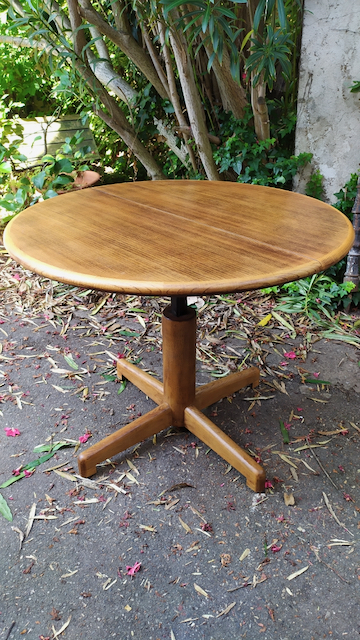 table ronde modulable scandinave