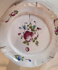plat faience decors fleuris